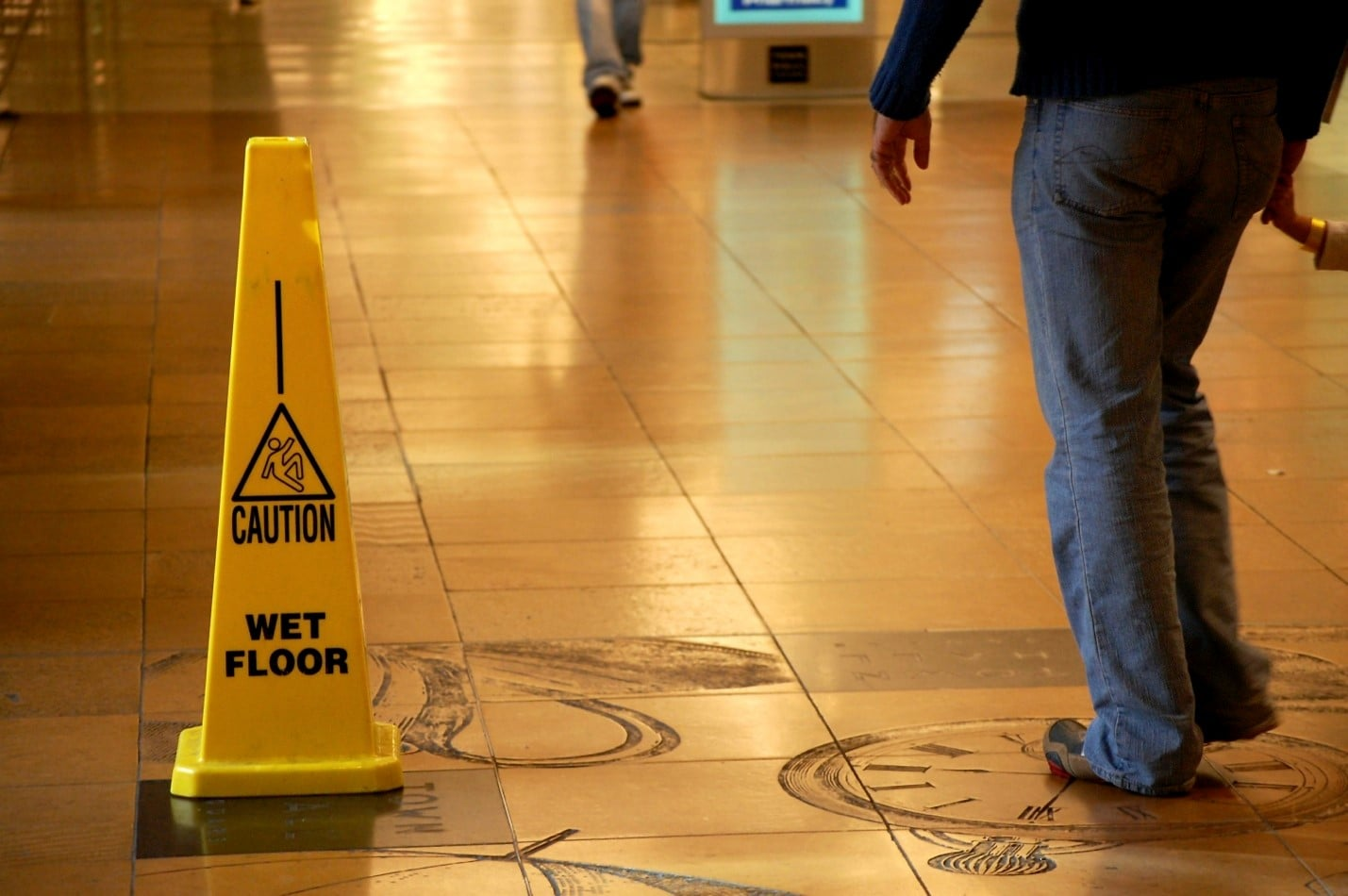 Common Injuries that Occur When Someone Slips and Falls